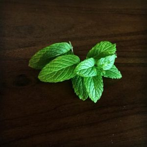 Quick Tip: Using Mint in Cocktails