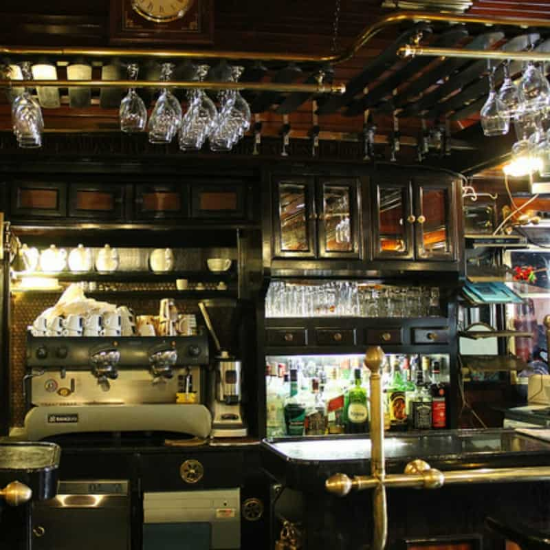 What Is A Barback The Ultimate Guide To The Bartender S
